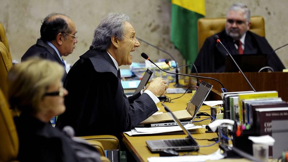 O ministro Ricardo Lewandowski durante julgamento do mensalão, em 04/10/2012