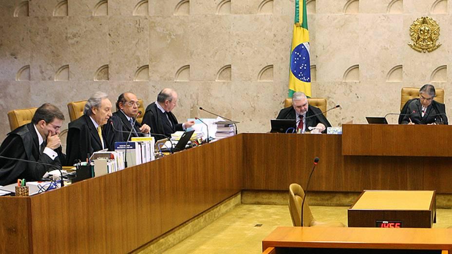 Ministros do Supremo Tribunal Federal (STF) durante sessão do julgamento do mensalão, em 05/09/2012