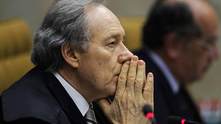O ministro Ricardo Lewandowski durante julgamento do mensalão, em 10/10/2012