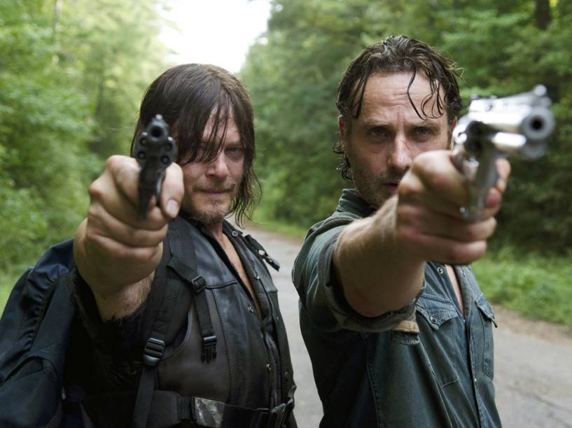 Daryl (intepretado por Norman Reedus) e Rick (Andrew Lincoln) em 'The Walking Dead'