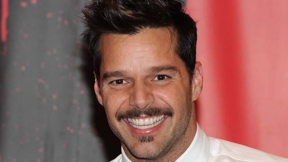 """Ricky Martin durante a coletiva de imprensa de """"Evita"""" na Broadway, em Nova York"""