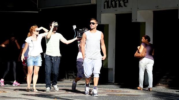 O cantor Ricky Matin nas gravações do comercial da Copa