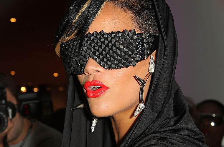 Com um óculos diferente em um evento em Nova York.