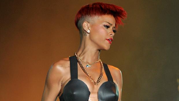 Rihanna durante apresentação na Espanha