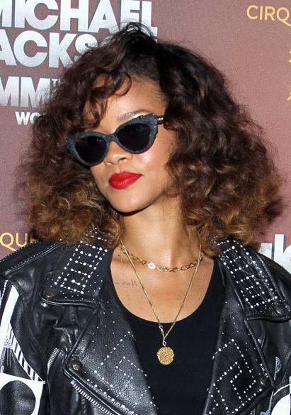 Rihanna no lançamento de filme sobre Michael Jackson, em Los Angeles