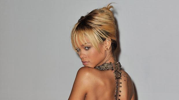 Rihanna no BRIT Awards 2012, em Londres