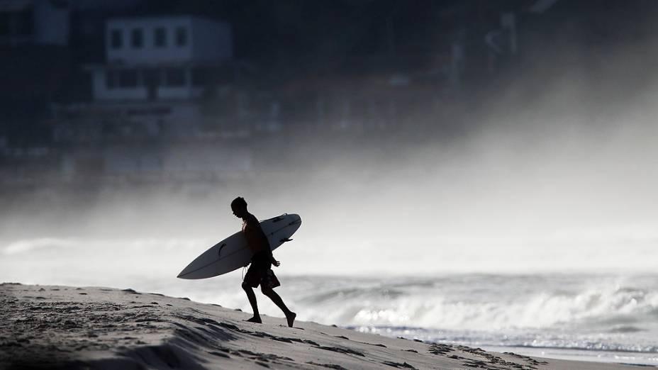 Movimentação nas areias da praia do Arpoador durante Billabong Pro Rio