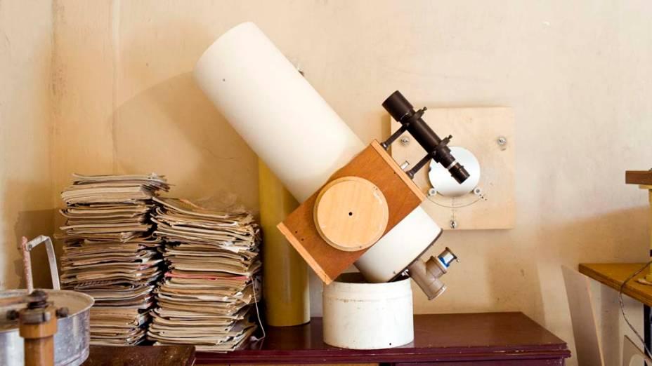 <p>O telescópio Cassegrain de 200mm</p>