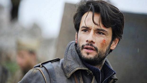 Rodrigo Santoro está no elenco de Encontrarás Dragões: Segredos da Paixão