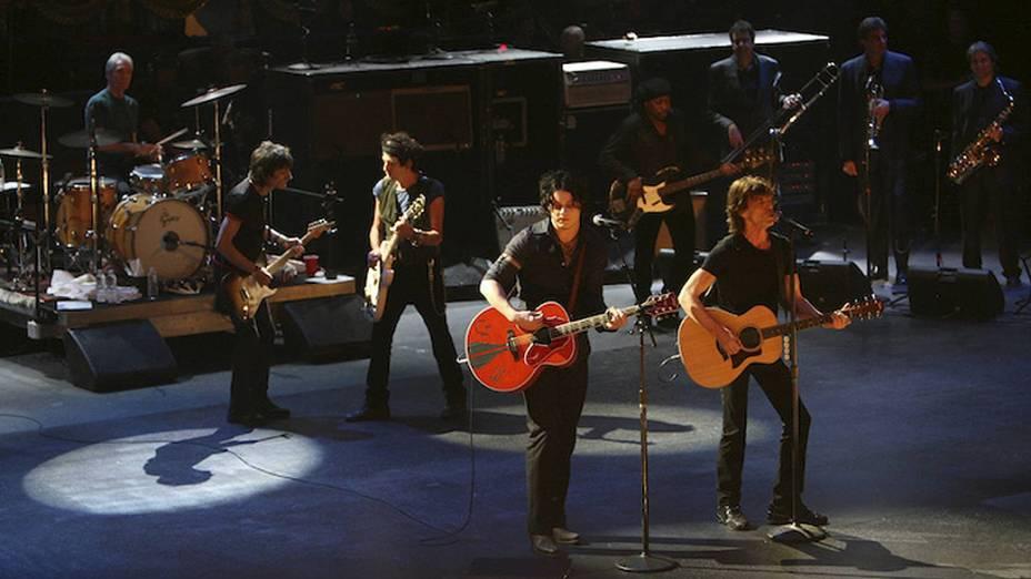 """Keith Richards e Mick Jagger no documentário """"The Rolling Stones - Shine a Light"""", de Martin Scorsese em 2008"""