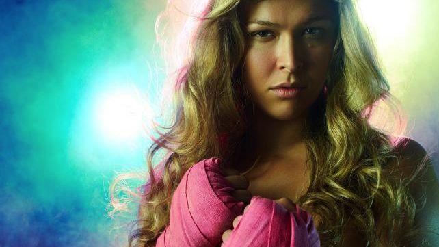 A lutadora Ronda Rousey em ensaio para a revista americana ESPN