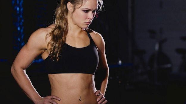 A lutadora Ronda Rousey durante treino