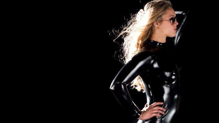 A lutadora Ronda Rousey no programa All Access, do canal americano Showtime