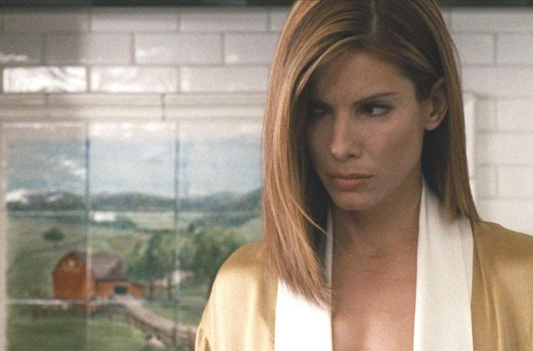 Sua atuação em <em>Crash - No Limite</em> (2004) rendeu o prêmio de melhor atriz no SAG Awards - sindicato de atores americanos.