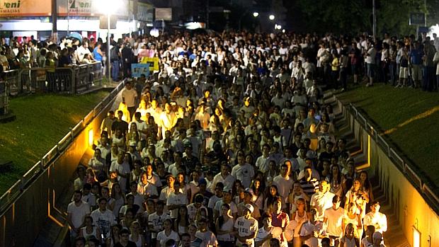 Milhares vão às ruas de Santa Maria para lembrar os 231 mortos no incêndio da boate Kiss