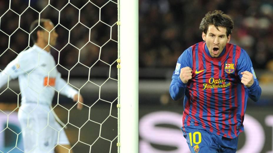 Lionel Messi, do Barcelona, comemora gol contra o Santos, durante a final do Mundial de Clubes - 18/12/2011