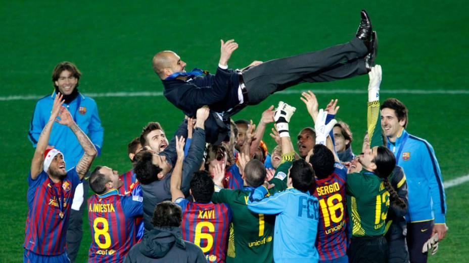 Jogadores do Barcelona comemoram a conquista do Mundial de Clubes da Fifa, no Japão - 18/12/2011