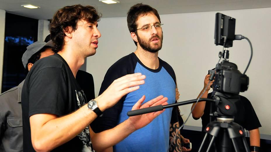 Rafinha bastos acompanha gravações do programa Saturday Night Live na versão brasileira da RedeTV