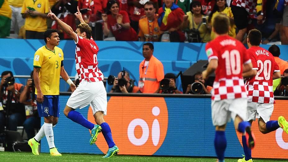 Jogadores da Croácia comemoram gol contra o Brasil no Itaquerão, em São Paulo