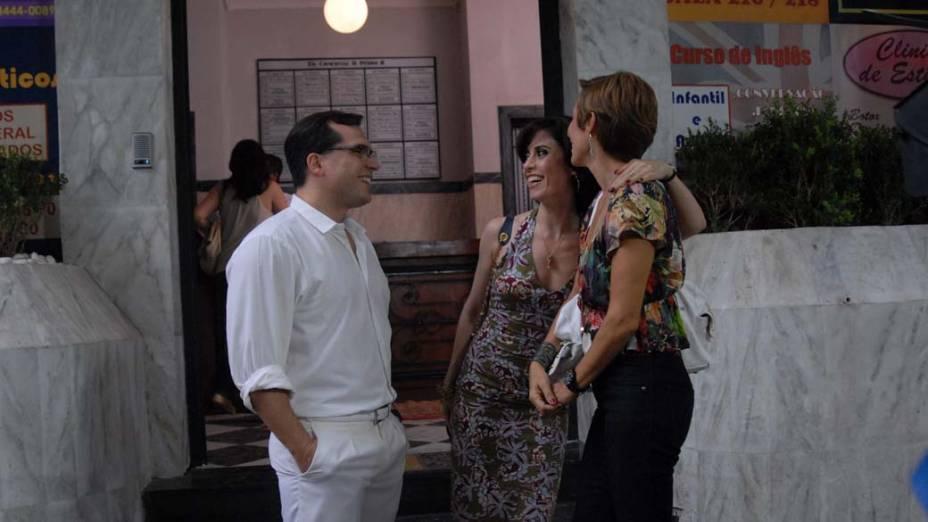 Apesar de Armane não assumir seriamente o relacionamento, Fátima prefere ficar com ele a se casar com PC (na foto)