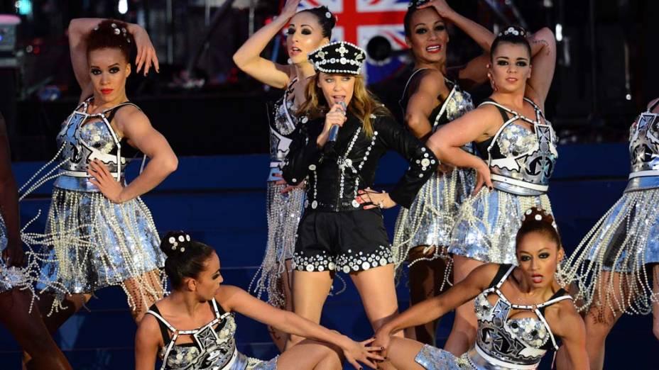 A cantora Kylie Minogue durante show no Palácio de Buckingham