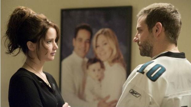 Jennifer Lawrence e Bradley Cooper em cena de O Lado Bom da Vida, de David O. Russell