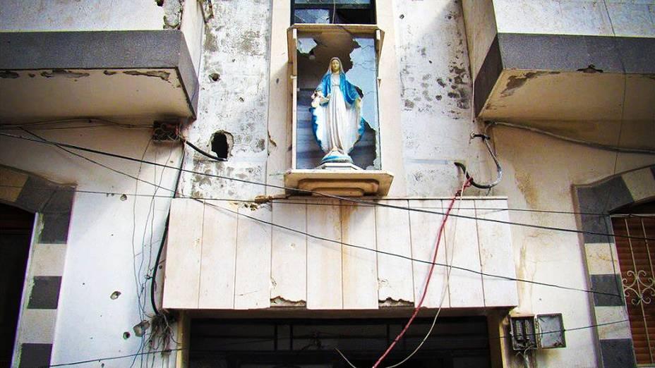 Áreas cristãs também têm sido alvo de bombardeios e combates entre rebeldes e tropas do regime sírio