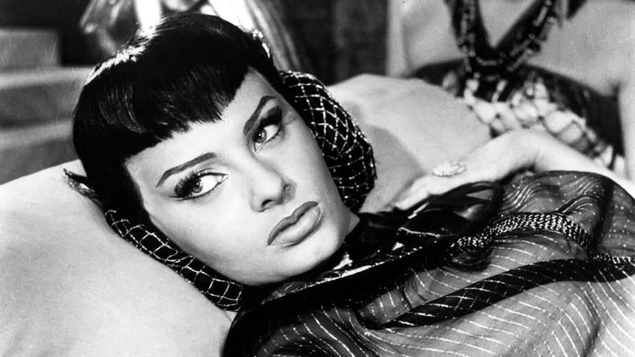 Sophia Loren interpreta a rainha egípcia em Cleópatra, de 1953