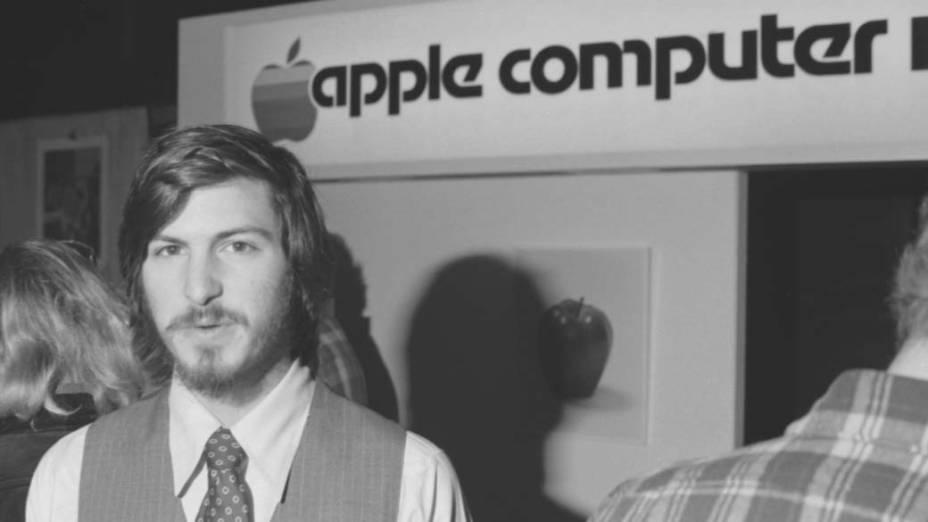 Steve Jobs no lançamento do computador Apple II, abril de 1977