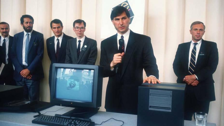 Steve Jobs apresenta a Next, sua nova companhia de computadores, em São Francisco, 1988