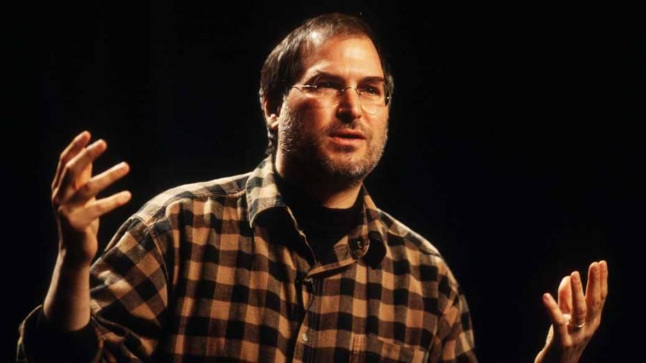 Steve Jobs durante palestra em Seattle, 1998<br><br>