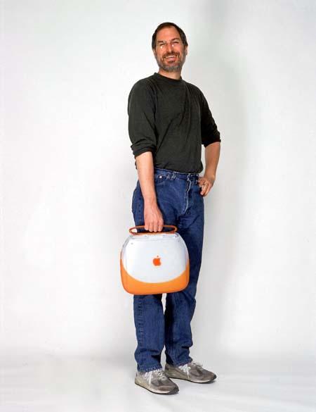 Steve Jobs lança o iBook, 1999