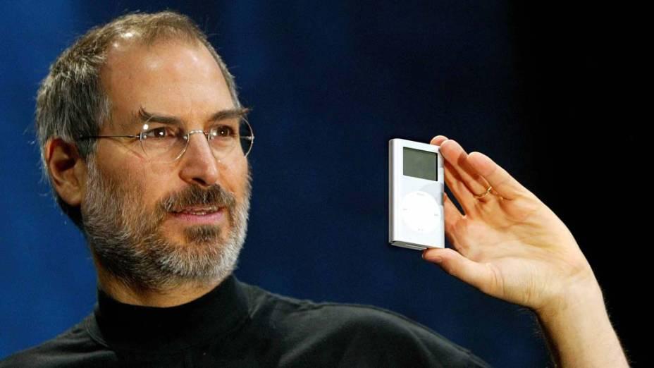 Steve Jobs lança o mini iPod em São Francisco, 2004