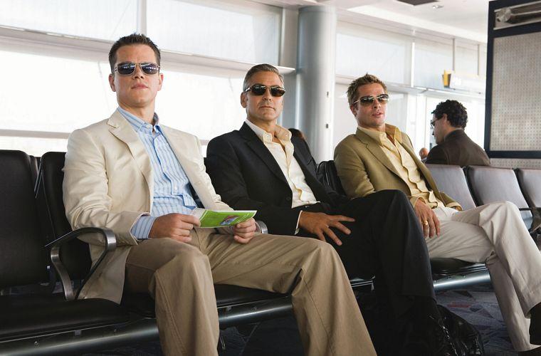 Matt Damon, George Clooney e Brad Pitt em Treze Homens e Um Novo Segredo (2007), terceiro filme da série