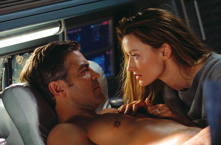 George Clooney e Natascha McElhone em Solaris (2002), adaptação do livro homônimo de ficção científica do polonês Stanislaw Lem