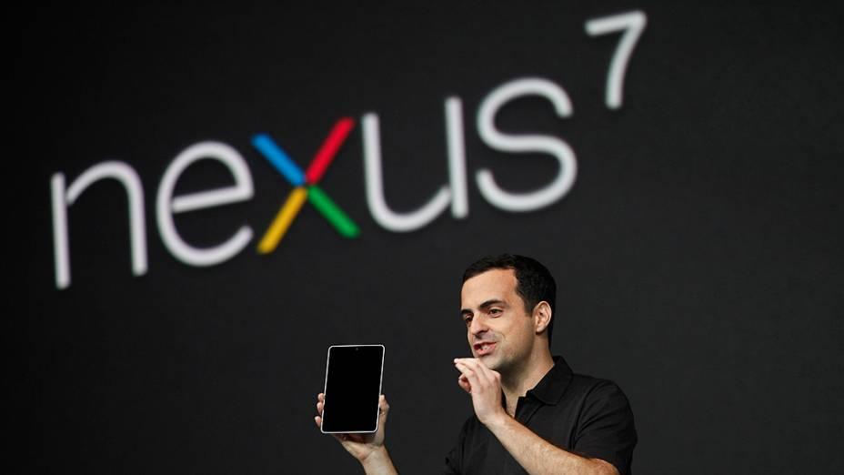 Hugo Barra, diretor de produtos mobile da empresa, apresenta o tablet Nexus 7