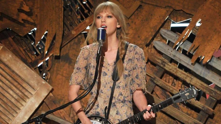 Taylor Swift durante performance na 54ª edição do Grammy, em 2012