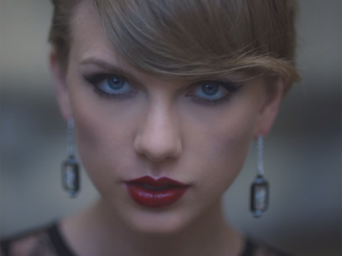 Taylor Swift no clipe de Blank Space