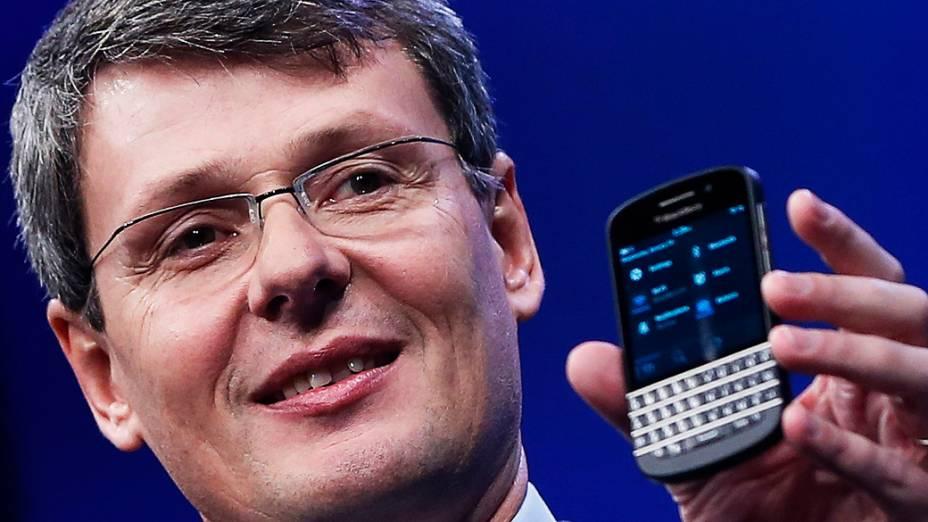 Presidente Thorsten Heins apresenta novo Blackberry 10 durante lançamento em Nova York