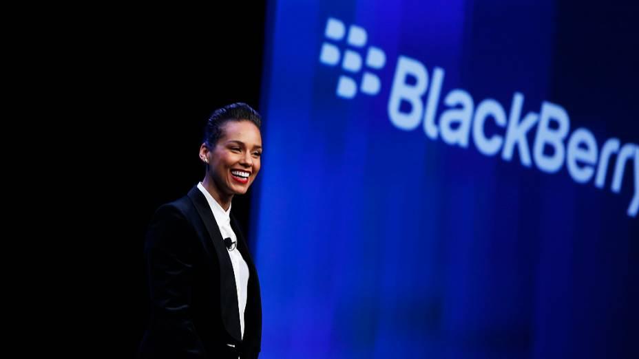 Cantora e compositora Alicia Keys é apresentada como diretora criativa global da Blackberry, em Nova York