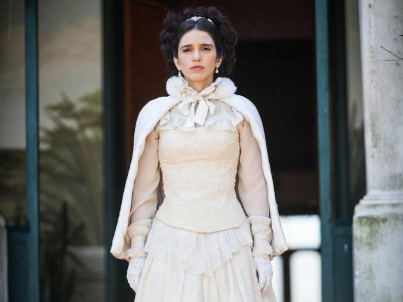 Teresa (Roberta Gualda) vai se casar com o Comendador Almeida (Fernando Pavão) em Escrava Mãe