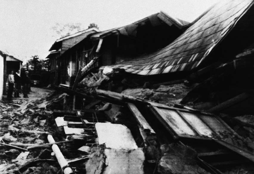 <p>25 de maio de 1983: Um terremoto causa 104 mortes no norte do Japão</p>