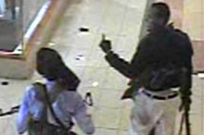 terroristas-fortemente-armados-sao-flagrados-por-cameras-de-seguranca-do-shopping-westgate-em-nairobi-no-quenia-original.jpeg
