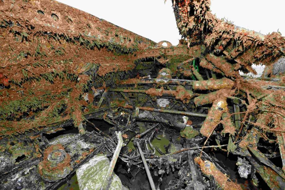 O cockpit do avião de guerra Dornier Do 17, da Força Aérea alemã, foi retirado do fundo do Canal da Mancha na segunda-feira, 10 de junho. O resgate aconteceu após o avião ficar mais de 70 anos submerso