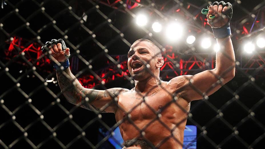Thiago Pitbull vence o canadense Jordan Mein, no UFC 183, em Las Vegas