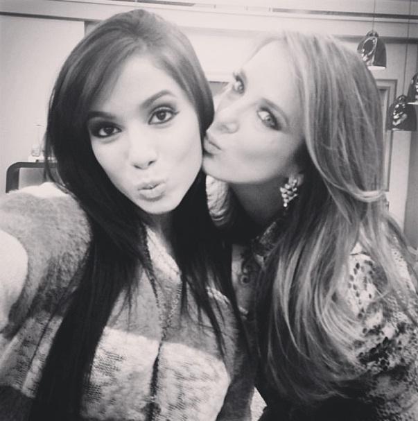 Anitta tieta a modelo Ticiane Pinheiro
