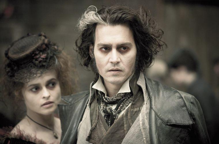 O musical Sweeney Todd - O Barbeiro Demoníaco da Rua Fleet (2008) traz Johnny Depp e Helena Bonham Carter nos papéis principais