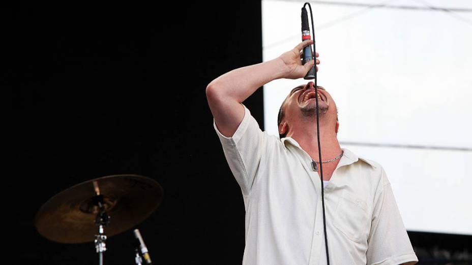 Mike Patton do Tomahawk durante apresentação no segundo dia do Lollapalooza, em São Paulo