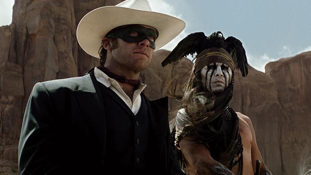 Johnny Depp e Armie Hammer em O Cavaleiro Solitário