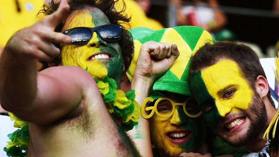 Torcedores do Brasil durante o jogo contra a Colômbia no Castelão, em Fortaleza